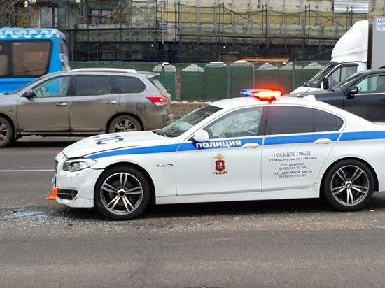 Бывший милицейский начальник врезался в полицейскую машину на севере Москвы